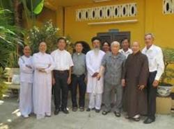 Đặt Thiên Chúa ngang hàng với các tôn giáo khác - Hội Đồng Liên Tôn đã xúc phạm Thiên Chúa