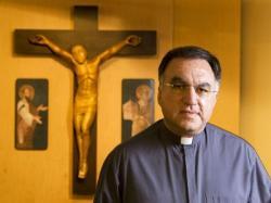 Cố vấn truyền thông của Tòa Thánh Vatican thừa nhận đạo văn trong hơn một thập kỷ