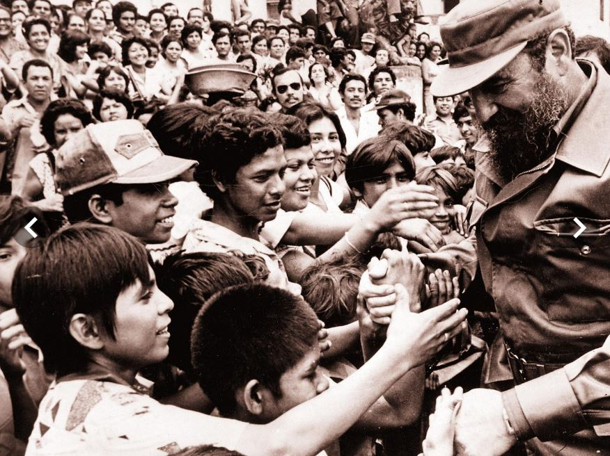 Fidel Castro with people